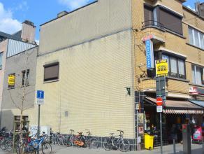 CENTRUM LEUVEN, vlakbij station :  te renoveren HANDELSWONING bestaande uit handelsgelijkvloers met daarboven woonst OF PROJECT voor handel met studio