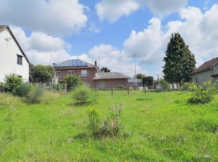 Welgelegen BOUWGROND (lot 2) voor HOB met een oppervlakte van 6,66are en een straatbreedte van 8,80m.  Het perceel is gelegen aan een voldoende uitger