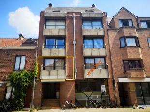 CDS IMMO verkoopt in Heverlee : Instapklare STUDIO 31m², gelegen op de 1ste verdieping, met  AUTOSTAANPLAATS aan de achterkant van het gebouw, be