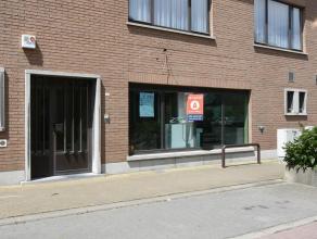 Handelsruimte in het dorpshart van Malderen. Momenteel ingericht als bankfiliaal met veiligheidsglas. Ruim en commercieel pand met veel mogelijkheden.