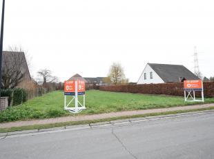 Bouwgrond voor half-open bebouwing met zuid-oost gerichte tuin.2 identieke bouwgronden, lot 3A en lot 3B van 5 are per lot voor een half-open bebouwin