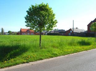 Aan de Sint-Lambrechts-Herkstraat nummer 94 te Sint-Lambrechts-Herk bevindt zich deze bouwgrond op een perceel van 7a15ca.<br /> Het perceel is gunsti