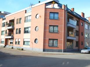 Nabij het centrum van Hasselt, vlakbij het stadspark, ligt dit gelijkvloers appartement in Residentie Ter Helbeke aan de Oude Luikerbaan 17A.  De resi