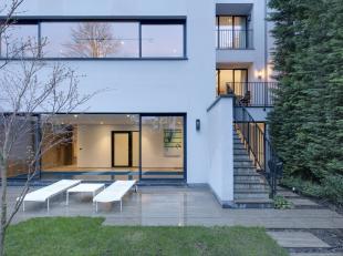Prachtige, energiezuinige mansion op toplocatie. Lift, 5 slaapkamers met bad- en douchekamer, grote eetkamer met zuidelijk terras, grote woonkamer met
