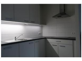 Nieuw appartement met 2 slaapkamers en groot zomer- en winterterras. Volledig ingerichte keuken met combi-oven, inductie (compatibele nieuwe kookset k