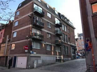 Centraal gelegen studio te koop in Leuven. U bent mogelijks op zoek naar naar een prima investering of een kot voor studerende kinderen? Deze studio l