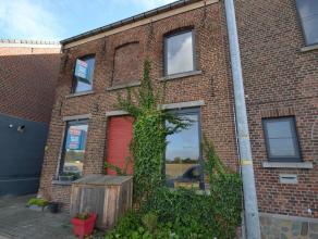 Zoekt u een huis te koop met 4 slaapkamers op een boogscheut van Leuven? Wij verkopen deze halfopen bebouwing langs de Vaart. Er is al heel wat gereno