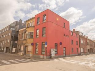 IN OPTIE: IMMO3000 stelt dit volledig gerenoveerde (2014) studentenhuis te koop hartje Leuven. Het gebouw beschikt over 9 vergunde & volledig conf