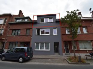 Immo3000 heeft een volledig gerenoveerd appartement te koop op een super interessante locatie achter het station van Leuven. Naast het De Becker Remyp