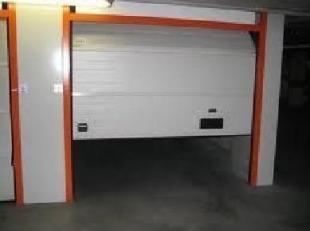 Garagebox te koop Knokke- Zoute<br /> <br /> Ondergrondse garagebox (niveau -2) die gelegen is in het Zoute, sparrendreef 103 onder de minigolf te Kno