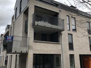 NIEUWBOUW APPARTEMENT met 2 slaapkamers en ruim terras te huur in het centrum van Halen, Begijnhofplein 11.<br /> Het appartement is gelegen op de eer