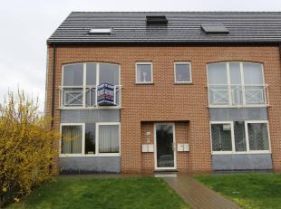 Leuk DUPLEX APPARTEMENT met 3 slaapkamers, terras en staanplaats te koop te Loksbergen (bij Halen), Lindestraat 38.<br /> Het appartement heeft een be