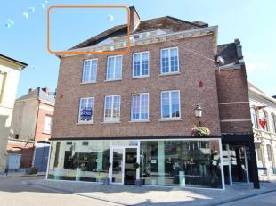 STUDIO te huur te Diest; Grote Markt 3.<br /> De studio is gelegen op de 3de verdieping in een gebouw zonder lift.<br /> De studio omvat : leefruimte/