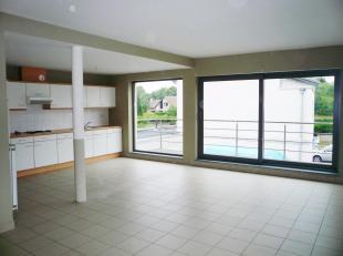 Leuk DUPLEX APPARTEMENT te huur te Tessenderlo, Molenstraat 13.<br /> Het appartement is gelegen op de eerste verdieping en heeft een privé ing