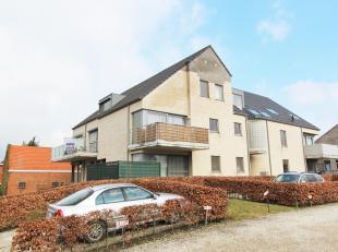 Leuk DUPLEX APPARTEMENT met 2 slaapkamers, terras en 2 staanplaatsen te huur te Diest, Diestersteenweg 213.<br /> Het appartement is gelegen op de eer