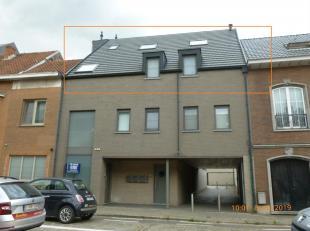 Te Huur duplex-appartement met veel lichtinval gelegen Schoonaerde 56 bus 2 te Diest.  Dit appartement is gelegen op de 2de verdieping in een gebouw m