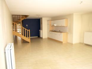 Ruim DUPLEX APPARTEMENT te huur in het centrum van Diest, Suikerpotstraat 6.<br /> Het duplex appartement is gelegen op de eerste verdieping en omvat