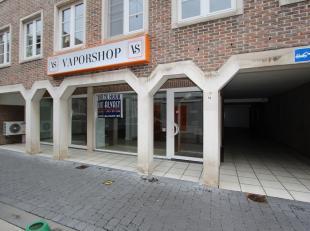 Handelsgelijkvloers van 90m² met een gevel van 9m te huur in de hoofdwinkelstraat van Diest, Hasseltsestraat 58.<br /> Het pand heeft een oppervl
