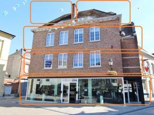 APPARTEMENT met veel lichtinval te huur in het centrum van Diest, Grote Markt 3.<br /> Het appartement is gelegen in een gebouw met handelsgelijkvloer