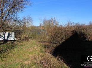 Terrain à bâtir situé à Marcouray d'une superficie de 529 m². Plan de mesurage disponible sur demande. Façade &