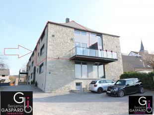 A louer très spacieux appartement duplex situé dans une ancienne fermette implantée dans le beau village de Marenne entièr