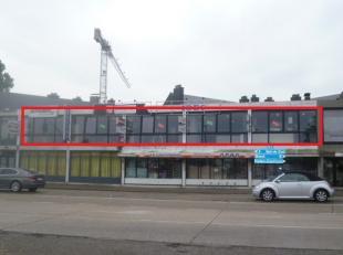 Kantoorruimte/handelsruimte met een oppervlakte van 250 m²INDELING:technische ruimte, dames-en herentoilet, winkelruimte (momenteel nog met valse