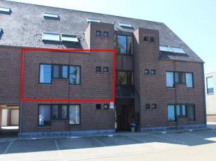 Gunstig gelegen appartement met 2 slaapkamers vlakbij het centrum van Halen.De INDELING is als volgt:Verdiep 1: inkomhal, toilet, woonkamer, keuken, b
