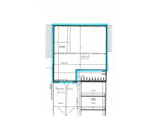 TE HUUR: ruime opslagruimte te Oostende 150m2<br /> Hoogte poort = 2,10meter.