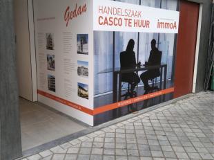 Handelszaak - front office 19,63 m2<br /> Bergruimte handelszaak - 40,51m2<br /> <br /> Geschikt voor diverse doeleinden!<br /> <br /> Raam in de etal