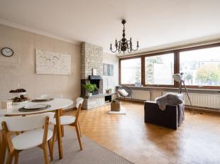 Bent u opzoek naar een ruim, betaalbaar twee slaapkamer appartement in centrum Kruibeke ? Bent u niet bang van de handen uit de mouwen te steken ? Dan