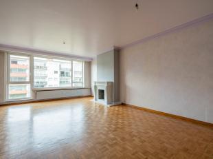 Mooi, verzorgd 3-slaapkamer appartement op een gunstige locatie op slechts 1 min van de Ring rond Antwerpen en oprit Antwerpen-Oost. Dit appartement b