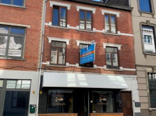 Opbrengsteigendom bestaande uit <br /> 1) een handelspand op het gelijkvloers (tearoom)<br /> in combinatie met een bovenliggend appartement en <br />
