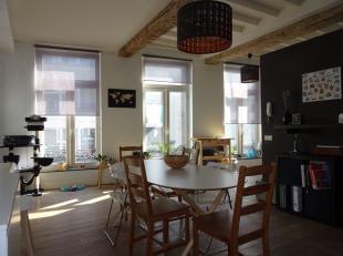 Mooi authentiek duplex appartement met 2 slaapkamers en zonnig terras gelegen in het centrum van Diest. Goede bereikbaarheid en ruime parkeergelegenhe