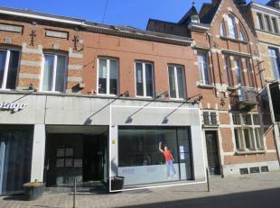 Winkel of bureelruimte van zo'n +/- 145 m². Gelegen in hartje Diest in één van de voornaamste winkelstraten met veel passage. De et