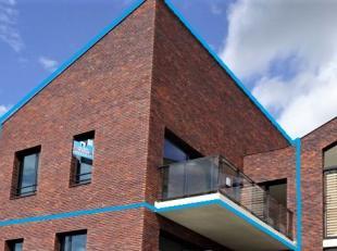 Appartement 103 m², gelegen op de tweede verdieping, bestaande uit:<br /> - inkomhal<br /> - leefruimte met toegang tot het terras<br /> - open k
