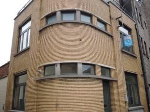 Stadswoning ( interbellum-art deco stijl )  met 3 slaapkamers in het hartje van Diest.<br /> <br /> Deze woning omvat 2 slaapkamers op de eerste verdi