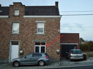 A louer : Appartement 1 chambre situé au rez de chaussée, avec jardin et garage.<br /> Composition : hall d'entrée, cuisine &eacu