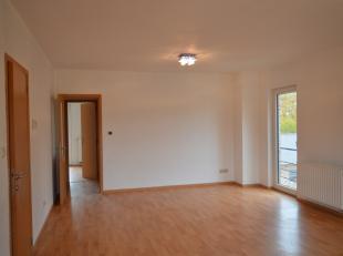 Appartement lumineux, 2 chambres, situé au premier étage d'une petite résidence, sans ascenseur.<br /> Proche du centre de Namur
