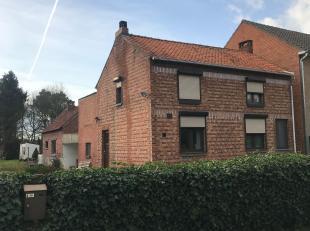 Deze woning dateert van 1960 en is landelijke gelegen op de Pachthoevenstraat te Diepenbeek.<br /> De perceelsoppervlakte bedraagt 22a50.<br /> <br />