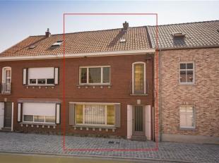 Maison avec beaucoup de potentiel au centre de Rijmenam. Dans cette maison, tous les étages ont été construits avec une structure