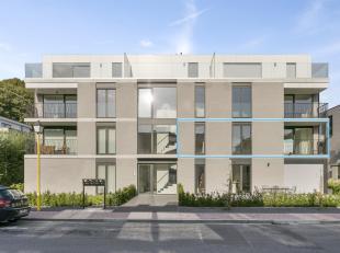 Schitterend nieuwbouwappartement in het centrum van Meise. Dit zeer ruim appartement heeft 3 slaapkamers en 2 badkamers. De open keuken loopt naadloos