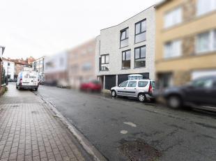 Prachtig nieuwbouw duplexappartement te koop in het centrum van Strombeek-Bever. Dit appartement is gelegen op het gelijkvloers en eerste verdieping v