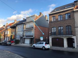 Interessante bouwgrond voor een kleinschalig project met 2 tot 3 appartementen of een bel-étagewoning. Ideaal gelegen in een rustig gedeelte tu