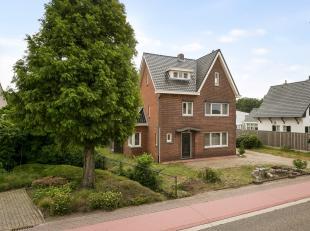 Gunstig gelegen, gerenoveerde vrijstaande woning op een perceel van 4150m².<br /> Voorzien van 4/5 slaapkamers, 2 badkamers en 16 zonnepanelen me