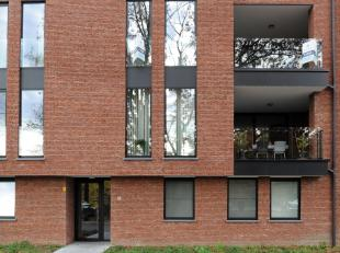 Stijlvol, ruim appartement (216m2) met zuidelijk gericht terras.<br /> Gunstig gelegen in Kuringen op 10 minuten van het centrum van Hasselt en vlakbi