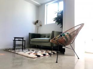 Als je zoekt naar een modern 1-slaapkamer appartement met mooie stadstuin, stopt hier je zoektocht.Het gelijkvloers in de Dijlestraat opteerden we om