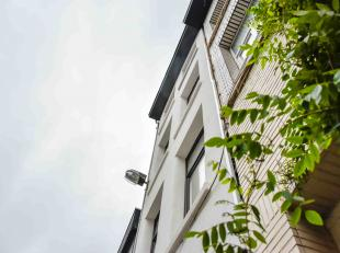 PRE-SALE OP MA 5 NOV VANAF 16u.<br /> <br /> Appartement 001<br /> · 123m2 woonoppervlakte<br /> · 50m2 stadstuin & terras<br />