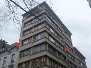 Dit 4 slaapkamer appartement met enorm veel lichtinval (ca. 140m²) is gevestigd op de 4de verdieping en is centraal gelegen aan de Belgiëlei
