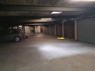 Deze garagebox is centraal gelegen op de Consciencestraat, waar parkeren altijd een moeilijke opgave blijkt. De afgesloten garagebox genummerd G6 bevi