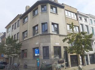 Vergunde opbrengsteigendom (135 m²) in de Pyckestraat 1 te 2018 Antwerpen.  Zeer centraal gelegen op het bruisende zuid.  Eigendom bestaande uit